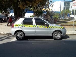 Táxi com Faixa Indicativa 8