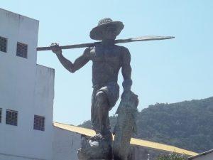 Estátua O Caiçara 31a